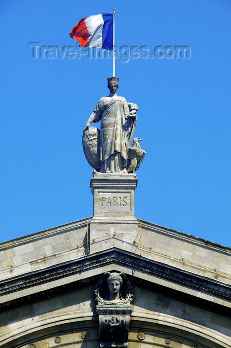 france700: Paris, France: statue of Paris by Pierre-Jules Cavelier - Gare du Nord - photo by Y.Guichaoua - (c) Travel-Images.com - Stock Photography agency - Image Bank