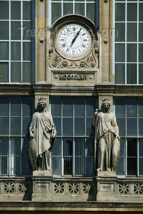 france701: Paris, France: statues of Amiens and Rouen by Eugène-Louis Lequesne - clock - Gare du Nord at Paris - photo by Y.Guichaoua - (c) Travel-Images.com - Stock Photography agency - Image Bank