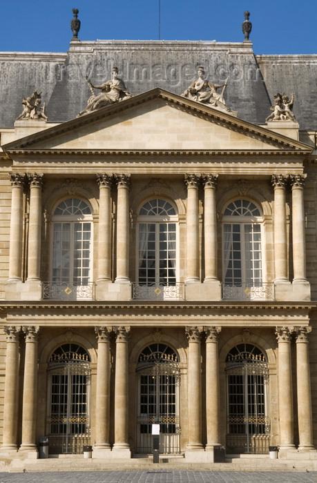 france720: Paris, France: Hôtel de Soubise - façade - IIIème - Marais district - photo by Y.Guichaoua - (c) Travel-Images.com - Stock Photography agency - Image Bank
