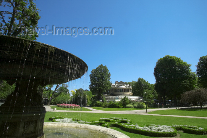 france731: Paris: garden of Champs Elysees - fountain and Pavillon de l'Elysée, used by restaurant 'Le Nôtre' - néo-Louis XV style - rive droite - photo by Y.Guichaoua - (c) Travel-Images.com - Stock Photography agency - Image Bank