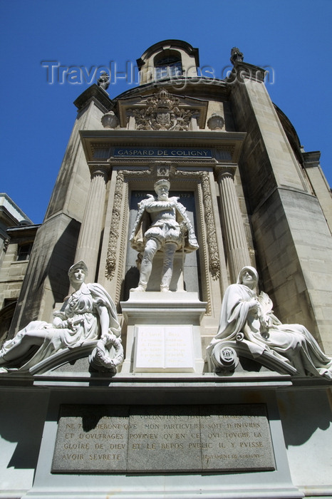 france735: Paris, France: Monument to Gaspard de Coligny - Admiral of France - Rivoli street - photo by Y.Guichaoua - (c) Travel-Images.com - Stock Photography agency - Image Bank