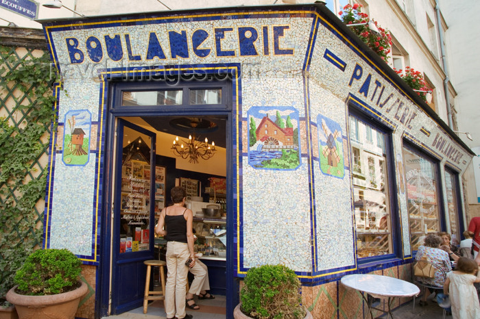 france736: Paris, France: Bakery in Roziers street - Magasin juif - photo by Y.Guichaoua - (c) Travel-Images.com - Stock Photography agency - Image Bank