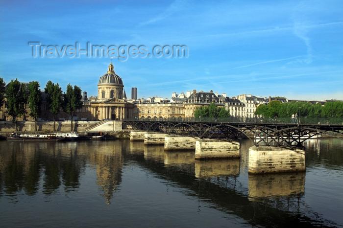 france737: Paris: Pont des Arts and Institut de France - photo by Y.Guichaoua - (c) Travel-Images.com - Stock Photography agency - Image Bank