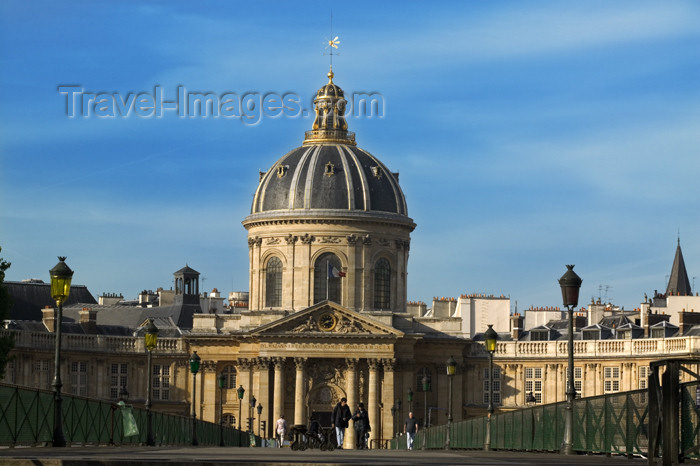 france738: Paris, France: Institut de Francefrom Pont des Arts - Académie française, Académie des Sciences, Académie des Beaux-Arts... - photo by Y.Guichaoua - (c) Travel-Images.com - Stock Photography agency - Image Bank