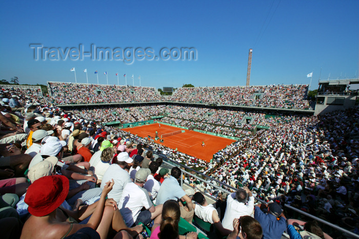 france744: Paris, France: tennis - Roland Garros tournament - Philippe Chatrier court - court Central - XVIe arrondissement - photo by Y.Guichaoua - (c) Travel-Images.com - Stock Photography agency - Image Bank