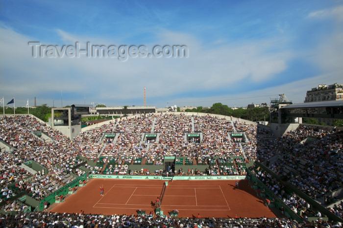 france748: Paris, France: tennis - Roland Garros tournament - Suzanne Lenglen court - photo by Y.Guichaoua - (c) Travel-Images.com - Stock Photography agency - Image Bank