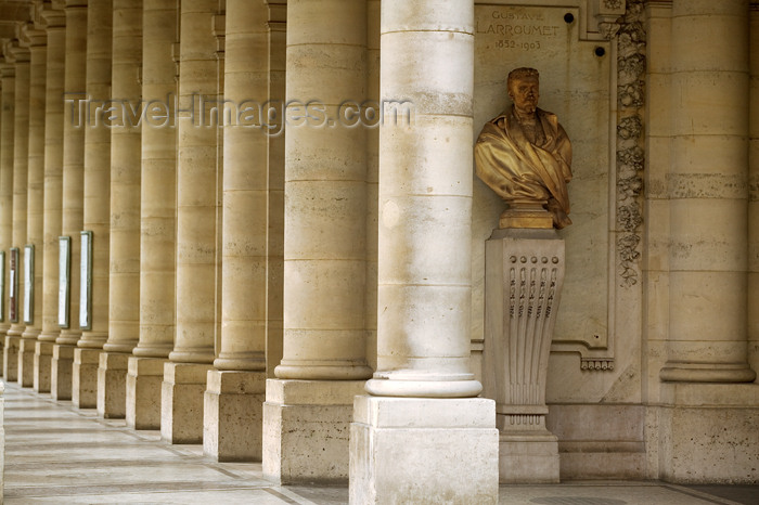france758: Paris, France: Comedie Française, Place André Malraux - photo by Y.Guichaoua - (c) Travel-Images.com - Stock Photography agency - Image Bank