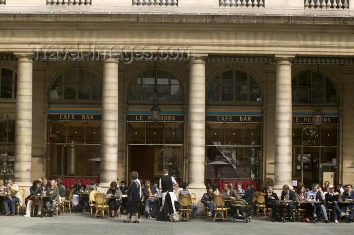 france759: Paris, France: Comedie Française, Place André Malraux - café - photo by Y.Guichaoua - (c) Travel-Images.com - Stock Photography agency - Image Bank