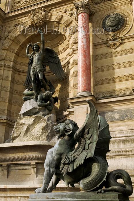 france767: Paris, France: fountain of Saint-Michelt - rive gauche - Quartier Latin - photo by Y.Guichaoua - (c) Travel-Images.com - Stock Photography agency - Image Bank