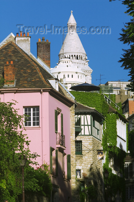 france769: Paris, France: Butte Montmartre - climbing to the Sacré Coeur - photo by Y.Guichaoua - (c) Travel-Images.com - Stock Photography agency - Image Bank
