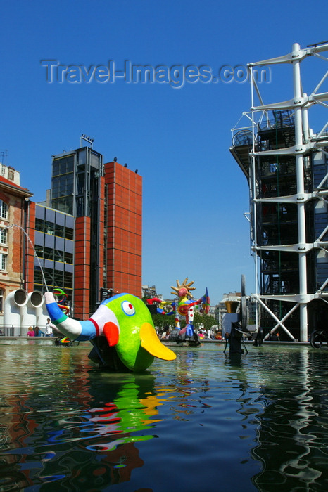 france778: Paris: Stravinsky fountain - L'éléphant by Niki de Saint Phalle - Georges Pompidou Center - Parisian avantgarde - Place Stravinsky, Beaubourg - photo by Y.Guichaoua - (c) Travel-Images.com - Stock Photography agency - Image Bank