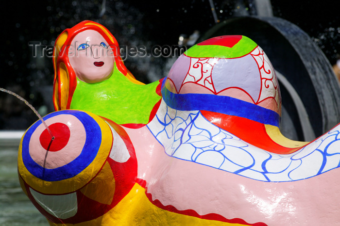 france779: Paris: fat mermaid - Stravinsky fountain at Georges Pompidou Center - La Ballerine Sirène - by Jean Tinguely and Niki de Saint-Phalle - ordered by Jacques Chirac and Pierre Boulez - photo by Y.Guichaoua - (c) Travel-Images.com - Stock Photography agency - Image Bank