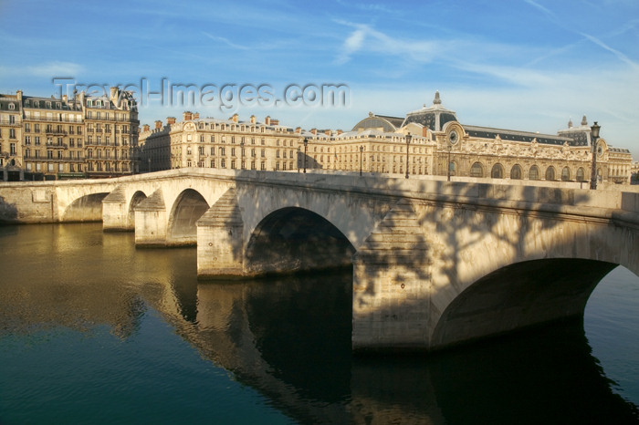 france784: Paris: Pont-Neuf and Orsay museum - photo by Y.Guichaoua - (c) Travel-Images.com - Stock Photography agency - Image Bank