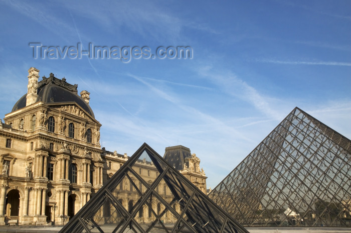 france790: Paris: Louvre - two pyramids - architecture by I.M. Pei - photo by Y.Guichaoua - (c) Travel-Images.com - Stock Photography agency - Image Bank