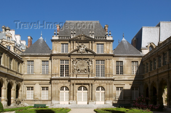 france798: Paris, France: Hôtel Carnavalet - Paris History Museum - Marais district - photo by Y.Guichaoua - (c) Travel-Images.com - Stock Photography agency - Image Bank