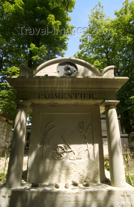 france810: Paris, France: grave of Parmentierr - promoter of the potato - in Pere Lachaise cemetery - photo by Y.Guichaoua - (c) Travel-Images.com - Stock Photography agency - Image Bank