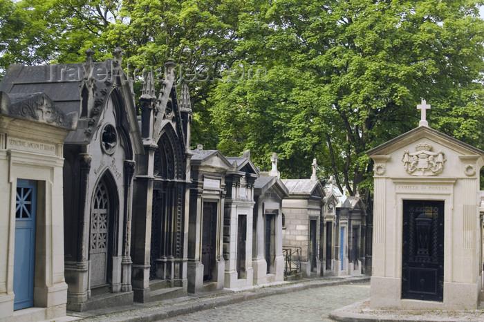 france811: Paris, France: Cemetery of Père Lachaise - named after Father François d'Aix de La Chaise, confessor to Louis XIV -  XXe arrondissement - photo by Y.Guichaoua - (c) Travel-Images.com - Stock Photography agency - Image Bank