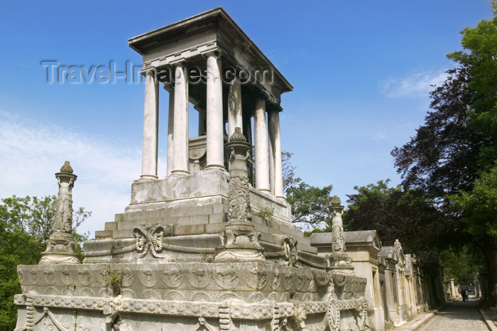 france816: Paris, France: Cemetery of Père Lachaise - grand tomb - funerary architecture - photo by Y.Guichaoua - (c) Travel-Images.com - Stock Photography agency - Image Bank