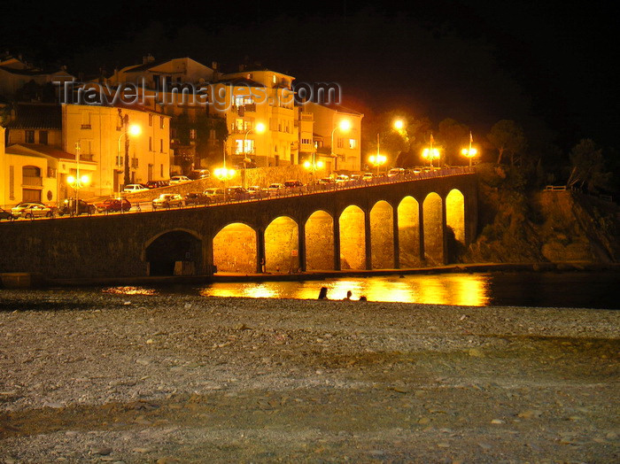 france82: France - Languedoc-Roussillon - Pyrénées-Orientales - Collioure - Cotlliure: waterfront and beach at night - Côte Vermeille- photo by T.Marshall - (c) Travel-Images.com - Stock Photography agency - Image Bank