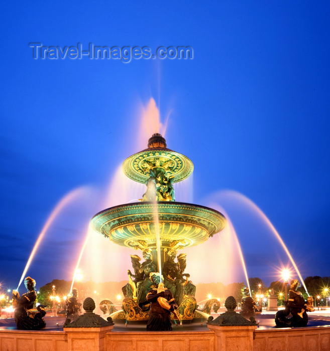 france84: Paris, France: Place de la Concorde - Fontaine des Mers - gilded Saint-Nom stone - Néréides and Tritons - photo by A.Bartel - (c) Travel-Images.com - Stock Photography agency - Image Bank
