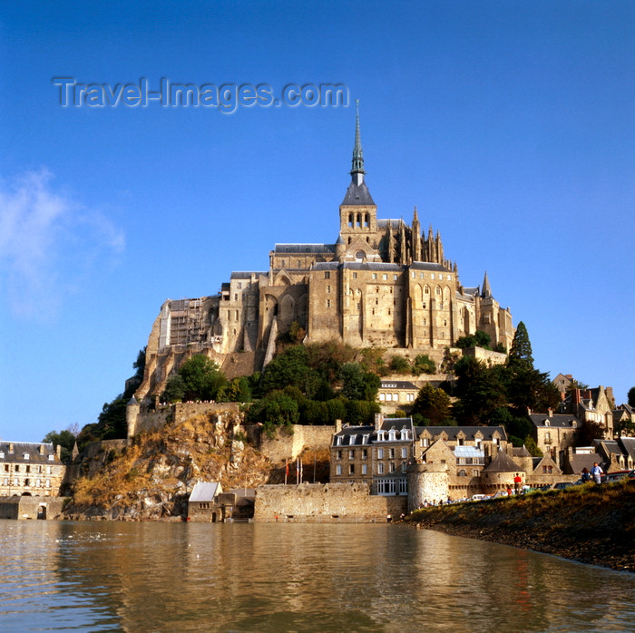 france932: Mont Saint-Michel, Manche, Basse Normadie, France: rocky granite island on the mouth of the Couesnon River - Gothic Abbey - UNESCO World Heritage Site - photo by J.Fekete - (c) Travel-Images.com - Stock Photography agency - Image Bank