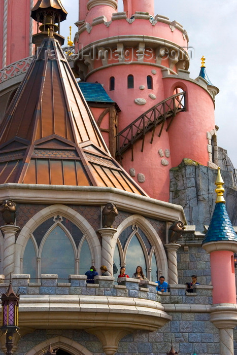 france98: Disneyland Paris, Chessy, Seine-et-Marne,  Île-de-France, France: Cinderella's Castle - Eurodisney - photo by H.Olarte - (c) Travel-Images.com - Stock Photography agency - Image Bank