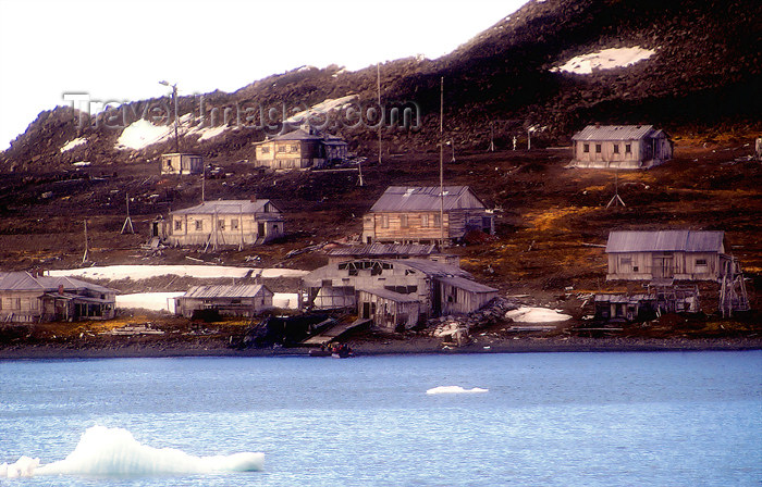 franz-josef14: Franz Josef Land Abandoned polar station Thikaya from ship, Hooker Island - Arkhangelsk Oblast, Northwestern Federal District, Russia - photo by Bill Cain - (c) Travel-Images.com - Stock Photography agency - Image Bank