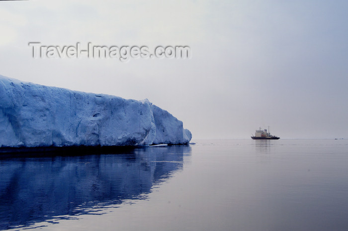 franz-josef21: Franz Josef Land Blue Iceberg and Cruise ship - Arkhangelsk Oblast, Northwestern Federal District, Russia - photo by Bill Cain - (c) Travel-Images.com - Stock Photography agency - Image Bank