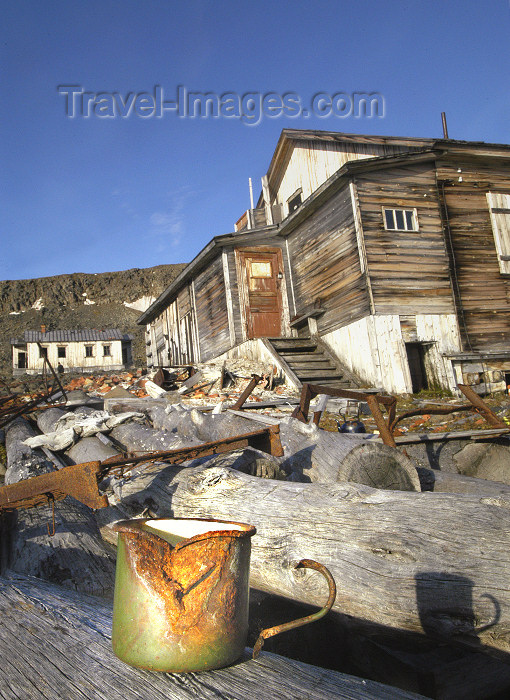 franz-josef3: Franz Josef Land - Hooker Island: abandoned polar station Thikaya (photo by Bill Cain) - (c) Travel-Images.com - Stock Photography agency - Image Bank