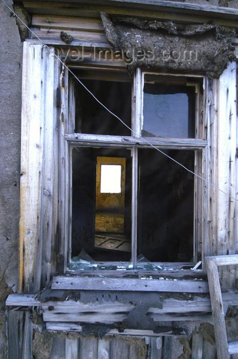 franz-josef49: Franz Josef Land Old Window, polar station Thikaya, Hooker Island - Arkhangelsk Oblast, Northwestern Federal District, Russia - photo by Bill Cain - (c) Travel-Images.com - Stock Photography agency - Image Bank