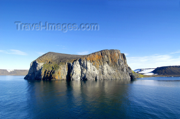franz-josef70: Franz Josef Land Rubini Rock from ship - Arkhangelsk Oblast, Northwestern Federal District, Russia - photo by Bill Cain - (c) Travel-Images.com - Stock Photography agency - Image Bank