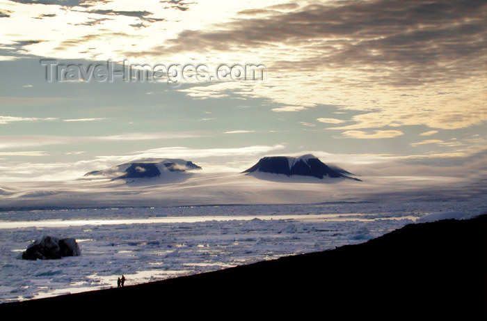 franz-josef83: Franz Josef Land Sunset scenic,Cape Heller, Wilzcek Land island - Arkhangelsk Oblast, Northwestern Federal District, Russia - photo by Bill Cain - (c) Travel-Images.com - Stock Photography agency - Image Bank