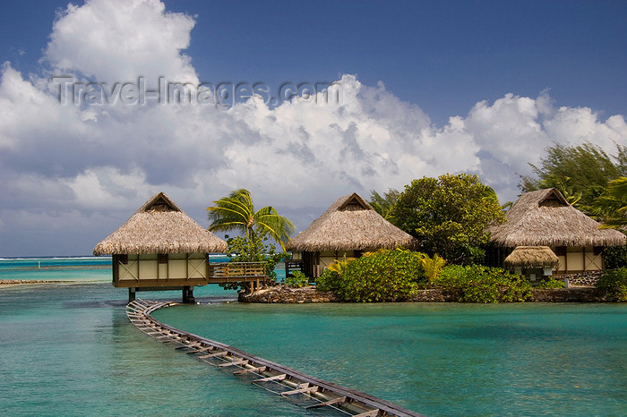 french-polynesia20: Papetoai, Moorea, French Polynesia: InterContinental Hotel - overwater bungalows - South Pacific Ocean - photo by D.Smith - (c) Travel-Images.com - Stock Photography agency - Image Bank