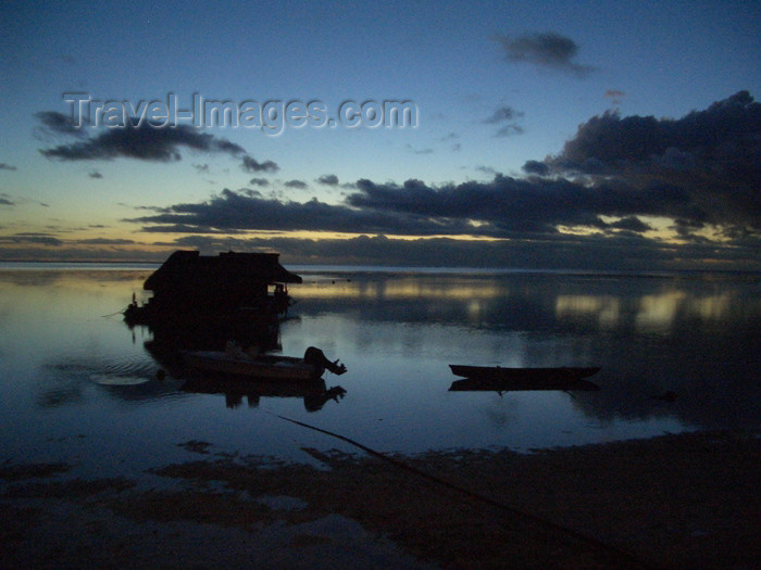 french-polynesia23: French Polynesia - Moorea / MOZ (Society islands, iles du vent): dusk on a lagoon - photo by R.Ziff - (c) Travel-Images.com - Stock Photography agency - Image Bank