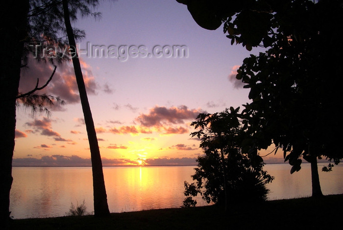 french-polynesia31: French Polynesia - Moorea / MOZ (Society islands, iles du vent): beach - tropical sunset - photo by R.Ziff - (c) Travel-Images.com - Stock Photography agency - Image Bank
