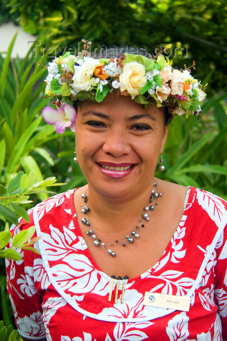 french-polynesia42: Papeete, Tahiti, French Polynesia: smiling Tahitian woman, wearing a flower garland - photo by D.Smith - (c) Travel-Images.com - Stock Photography agency - Image Bank