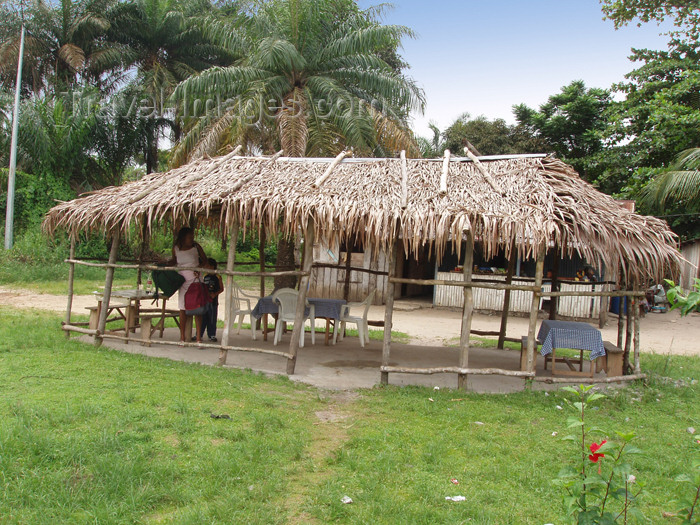 gabon10: Cap Estérias, Estuaire province, Gabon: maquis - roadside restaurant - photo by B.Cloutier - (c) Travel-Images.com - Stock Photography agency - Image Bank