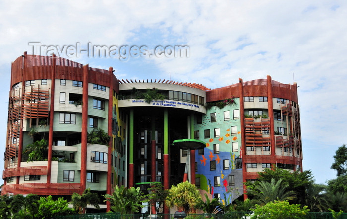 gabon22: Libreville, Estuaire Province, Gabon: Ministry of Waters, Forest and Fishing - architect Francis Meyer - Ministère des Eaux et Forets - boulevard Triomphal El Hadj Omar Bongo - photo by M.Torres - (c) Travel-Images.com - Stock Photography agency - Image Bank