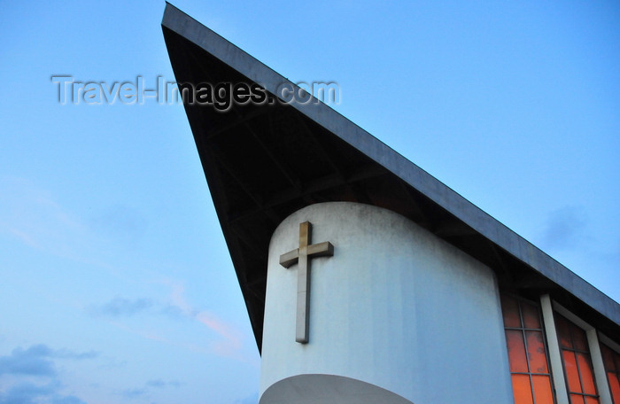 gabon40: Libreville, Estuaire Province, Gabon: St Peters's Cathedral at dusk - triangular roof - Cathédrale St. Pierre - Rue du Governeur Balley - photo by M.Torres - (c) Travel-Images.com - Stock Photography agency - Image Bank