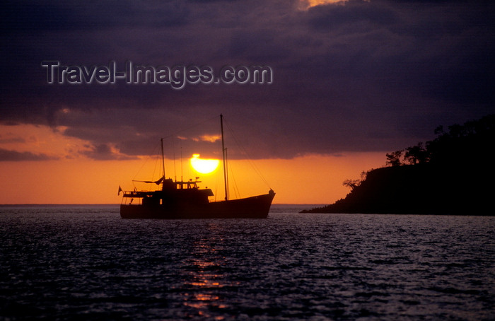 galapagos40: Isla Isabela / Albemarle island, Galapagos Islands, Ecuador: sunset behind the Samba - boat silhouette - photo by C.Lovell - (c) Travel-Images.com - Stock Photography agency - Image Bank