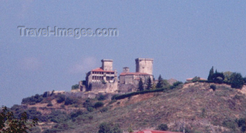 galicia11: Galicia / Galiza - Verín (Ourense province): the Castle / o castelo - photo by M.Torres - (c) Travel-Images.com - Stock Photography agency - Image Bank