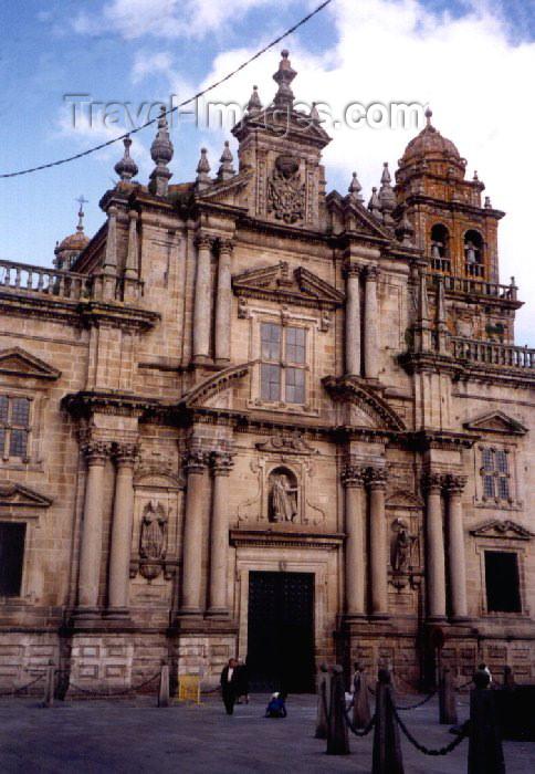 galicia20: Galicia / Galiza - Celanova (Orense province): Monastery of San Salvador de Celanova - founded by San Rosendo in 936 - church façade - Fachada do mosteiro de San Salvador de Celanova - photo by M.Torres - (c) Travel-Images.com - Stock Photography agency - Image Bank