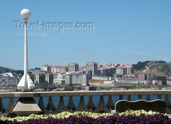 galicia38: Galicia / Galiza - A Coruña (provincia da Corunha): junto ao mar / waterfront - photo by Rui Vale de Sousa - (c) Travel-Images.com - Stock Photography agency - Image Bank