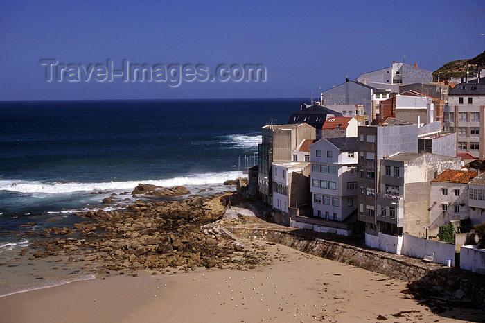 galicia57: Galicia / Galiza - Malpica de Bergantiños - A Coruña province: town and beach - Costa da Morte - photo by S.Dona' - (c) Travel-Images.com - Stock Photography agency - Image Bank