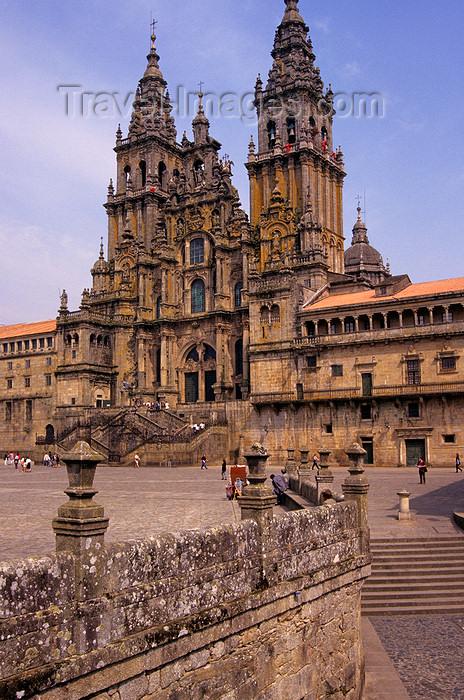 galicia76: Galicia / Galiza - Santiago de Compostela - A Coruña province: the cathedral of Santiago de Compostela in Praza do Obradorio - photo by S.Dona' - (c) Travel-Images.com - Stock Photography agency - Image Bank
