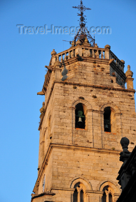 galicia87: Lugo, Galicia / Galiza, Spain: eastern tower of the Cathedral, on Praza de Santa María - photo by M.Torres - (c) Travel-Images.com - Stock Photography agency - Image Bank