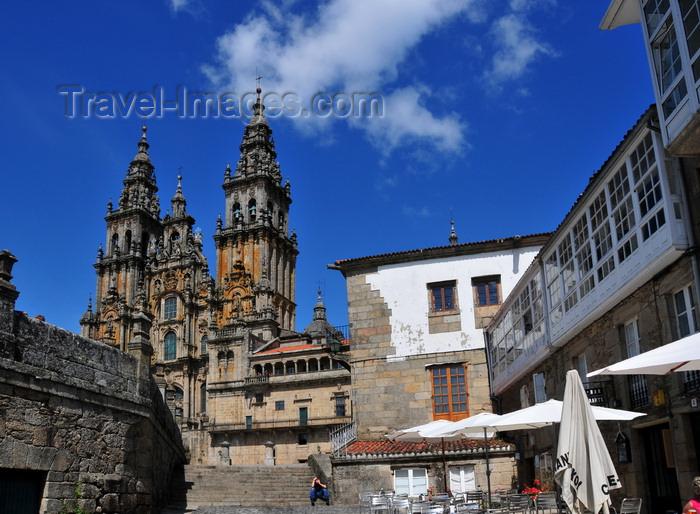 galicia97: Santiago de Compostela, Galicia / Galiza, Spain: the Cathedral - entering Praza do Obradoiro - from the end of Avenida de Raxoi - photo by M.Torres - (c) Travel-Images.com - Stock Photography agency - Image Bank