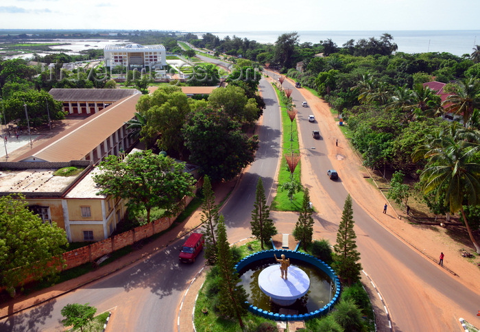 gambia52: Gambia, Banjul: start of the Banjul Serrekunda Highway - Gambia High School, National Assembly and Tanbi wetlands on the left and the Atlantic Ocean on the right - seen from Arch 22 - photo by M.Torres - (c) Travel-Images.com - Stock Photography agency - Image Bank