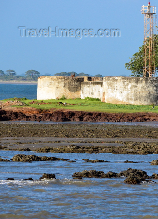 gambia74: Barra, The Gambia: bastions of Fort Bullen at Barra Point - fort and ligh navigation light at the estuary of the River Gambia - UNESCO world heritage - photo by M.Torres - (c) Travel-Images.com - Stock Photography agency - Image Bank