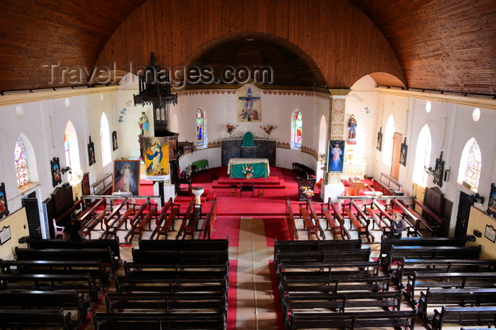 gambia8: Banjul, The Gambia: Roman Catholic Cathedral of Our Lady of the Assumption - the nave and the main altar seen from the choir - photo by M.Torres - (c) Travel-Images.com - Stock Photography agency - Image Bank